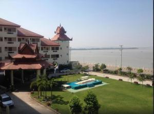 Mawlamyaing Strand Hotel, Hotels  Mawlamyine - big - 15