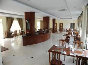 Mawlamyaing Strand Hotel, Hotel  Mawlamyine - big - 25
