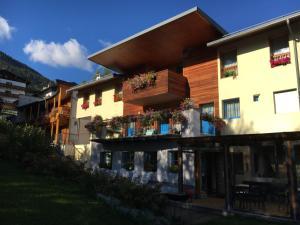 Hotel Garni Enrosadira, Hotely  Vigo di Fassa - big - 70