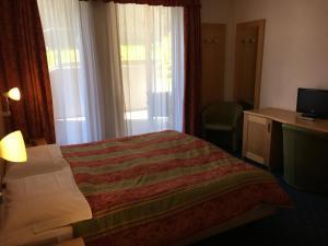 Hotel Garni Enrosadira, Hotely  Vigo di Fassa - big - 31
