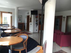 Hotel Garni Enrosadira, Hotely  Vigo di Fassa - big - 111