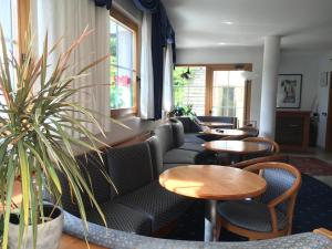 Hotel Garni Enrosadira, Hotely  Vigo di Fassa - big - 128