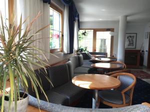 Hotel Garni Enrosadira, Hotely  Vigo di Fassa - big - 76