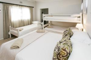 Double Room with Bunk Bed and Extra Bed
