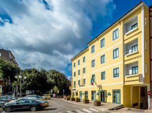 New Petit Hotel