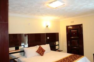 Keeme-Nao Hotel, Hotel  Mahalapye - big - 8