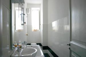 Le Fate Suite Trastevere, Apartmanok  Róma - big - 5