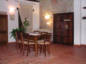 Casale Il Colombaio Di Toiano, Ferienhöfe  Sovicille - big - 8