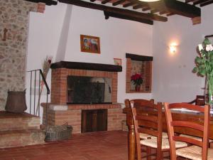 Casale Il Colombaio Di Toiano, Ferienhöfe  Sovicille - big - 45