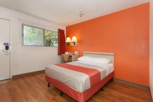 Motel 6 Davis - Sacramento Area, Hotely  Davis - big - 38
