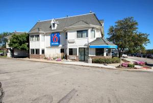 Motel 6 Milwaukee West - Brookfield, Отели  Brookfield - big - 31
