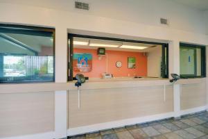 Motel 6 Houston-Baytown East, Hotels  Eldon - big - 40