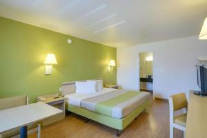 Motel 6 Houston-Baytown East, Hotels  Eldon - big - 46
