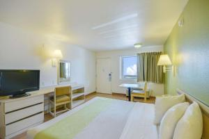 Motel 6 Houston-Baytown East, Hotels  Eldon - big - 47