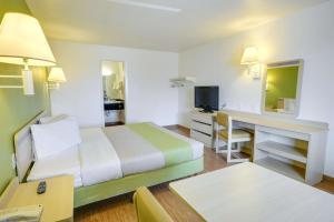Motel 6 Houston-Baytown East, Hotels  Eldon - big - 48