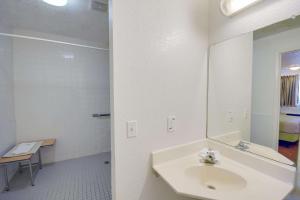 Motel 6 Houston-Baytown East, Hotels  Eldon - big - 52