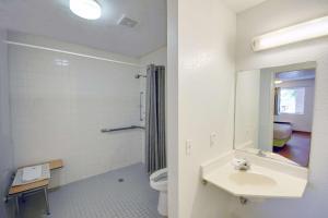 Motel 6 Houston-Baytown East, Hotels  Eldon - big - 56