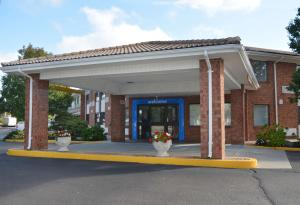 Motel 6 Newport Rhode Island, Отели  Ньюпорт - big - 1