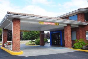 Motel 6 Newport Rhode Island, Отели  Ньюпорт - big - 35