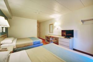 Motel 6 Newport Rhode Island, Отели  Ньюпорт - big - 46