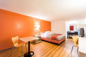 Queen Room with Mini Fridge