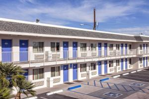 Motel 6 Phoenix Airport - 24th Street, Hotels  Phoenix - big - 57