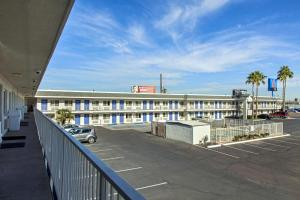 Motel 6 Phoenix Airport - 24th Street, Hotels  Phoenix - big - 52