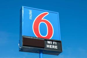 Motel 6 Phoenix Airport - 24th Street, Hotels  Phoenix - big - 50