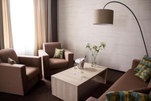 Hotel Versailles, Szállodák  Luck - big - 27