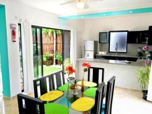 Paradise in Tulum - Villas la Veleta - V2, Prázdninové domy  Tulum - big - 6