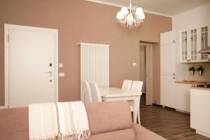 Home Sweet Home, Apartments  Genoa - big - 9