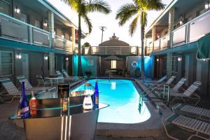 Camelot Beach Suites