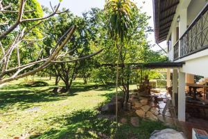 Little Garden Cottage By Favstay, Appartamenti  Ban Rai Khlong Sai - big - 49