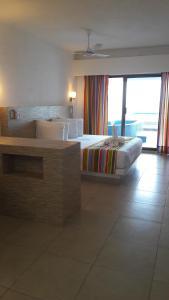 Honeymoon Suite 203