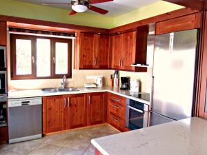 Coral Bay Villa Liana, Holiday homes  Coral Bay - big - 17