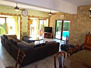 Coral Bay Villa Liana, Holiday homes  Coral Bay - big - 18