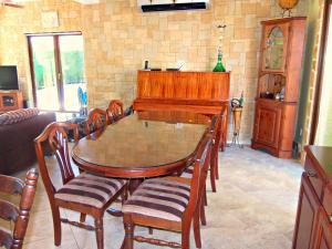 Coral Bay Villa Liana, Holiday homes  Coral Bay - big - 19