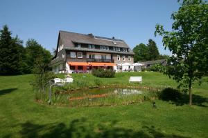 Hotel Gasthaus Tröster, Hotely  Schmallenberg - big - 1