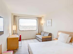 Habitación Superior con 1 cama doble y 1 sofá cama para 2 personas