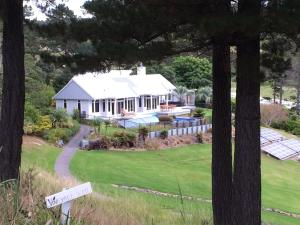 Vineyard Cottage - Paroa Bay Winery