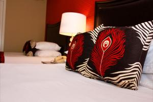 Peacock Suites