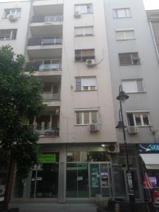 Regina's Central Street Apartment, Apartmány  Skopje - big - 27