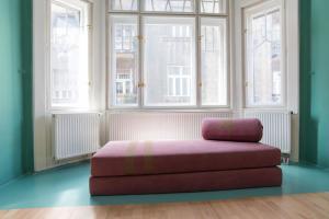 Colorful Ernesto, Apartments  Budapest - big - 14