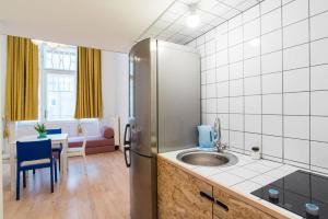 Colorful Ernesto, Apartments  Budapest - big - 20
