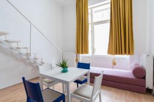Colorful Ernesto, Apartments  Budapest - big - 19