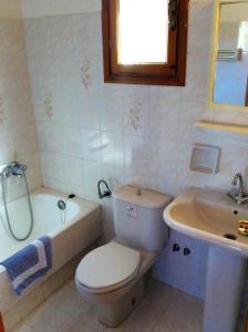 Manos Studios, Apartments  Platis Yialos Mykonos - big - 15
