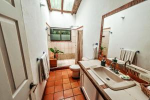 Hotel Atrapasueños, Отели  Santa Teresa Beach - big - 36