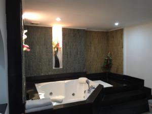 Galaxy Suites Pattaya Hotel, Hotely  Pattaya South - big - 6