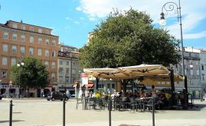 Casa Rescida, Appartamenti  Trieste - big - 23
