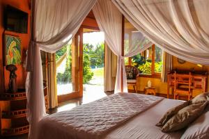 Luxury Suite with Pool View